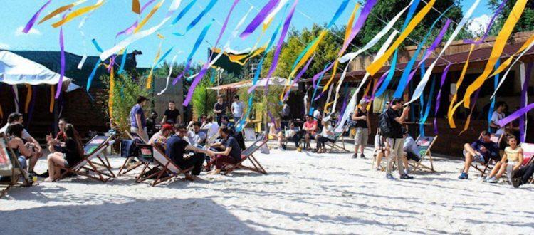 La plage de Glazart Paris l'été Hôtel Raspail Montparnasse