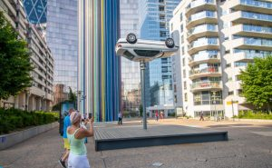 Exposition d'art contemporain en plein air «Les Extatiques» à la Défense